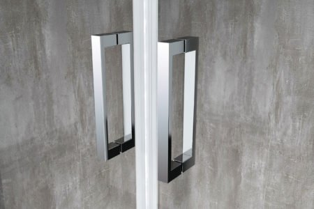 dettaglio maniglia in alluminio cromato porta box doccia