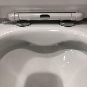 wc senza brida in ceramica bianca