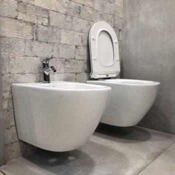 sanitari rimless sospesi senza brida in ceramica bianca