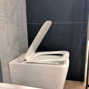wc in ceramica bianca con sistema soft close