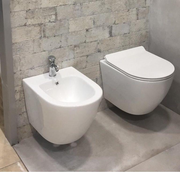 sanitari bagno wc bidet sospesi filo muro senza brida